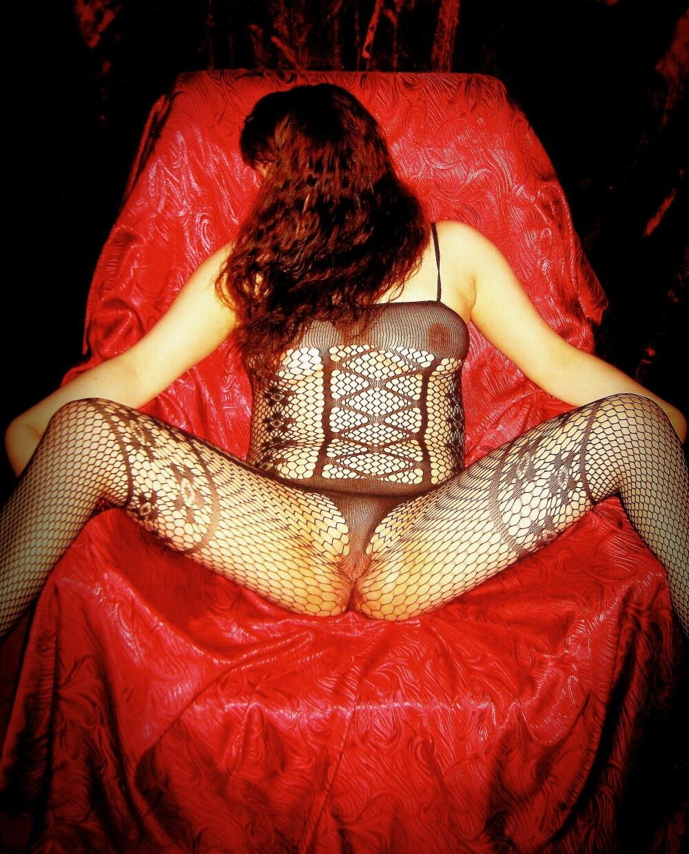 eroticheskiy-massazh-v-yuzao
